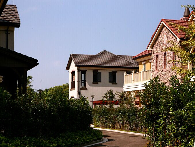 两层欧式木楼房